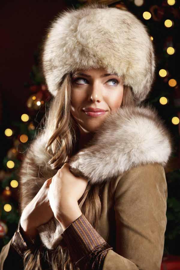 Beautiful Russian womn in winter hat