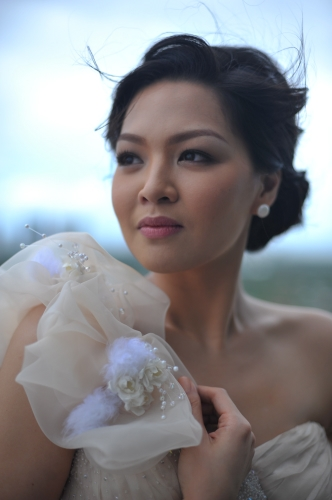 Thoughtful Filipina bride