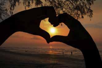 Sunrise in Hand Heart
