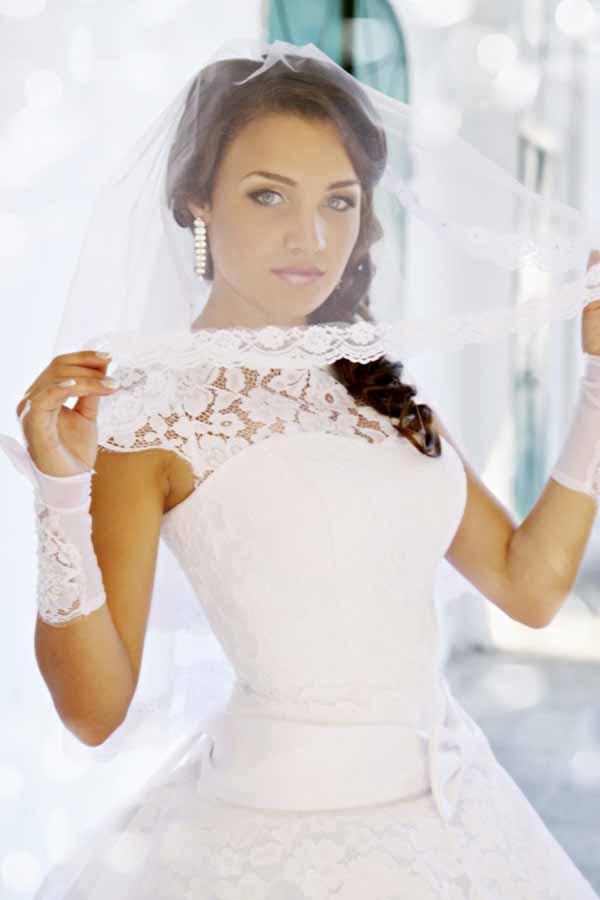 Portrait bride in a veil