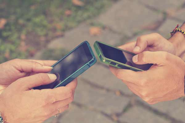 2 Things To Know About Texting And Dating