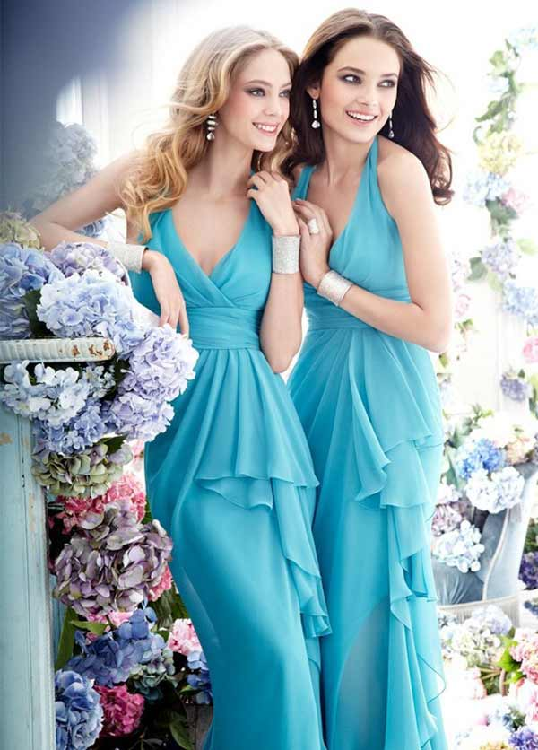 beautiul ladies in blue dresses