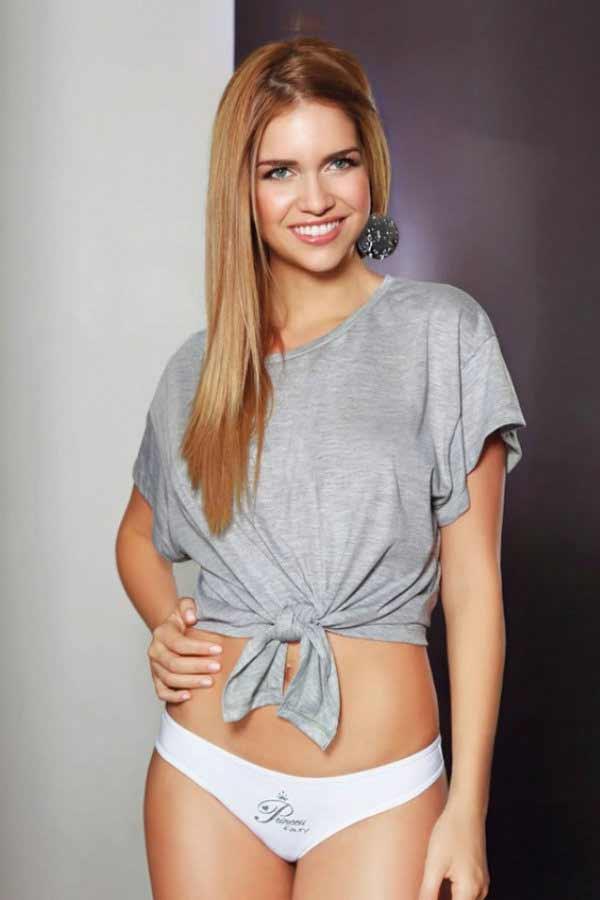 gorgeous Argentine girl