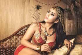 who is malika dating