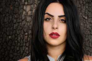 beautiful black-haired Armenian girl
