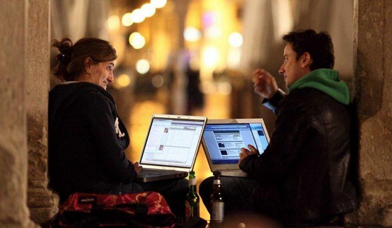 Unique headlines for online dating