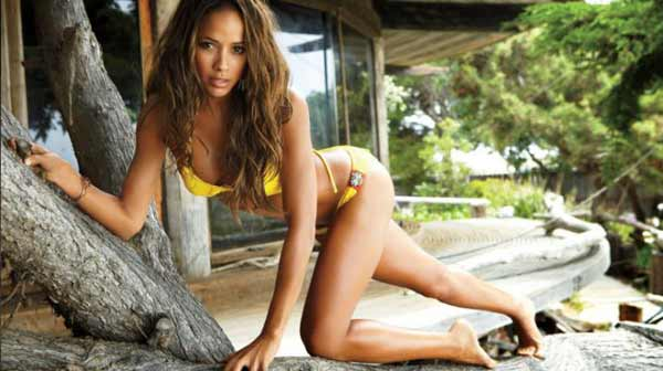Santo Domingo Dating: How to Get Dominican Girls' Phone Numbers