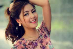 a young beautiful smiling Chinese girl