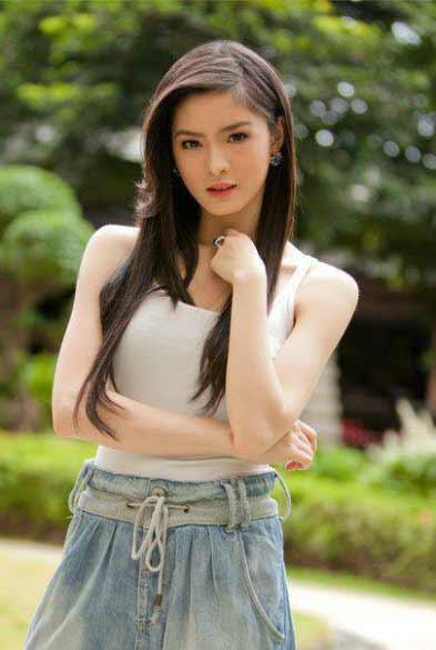 a young beautiful Filipino girl
