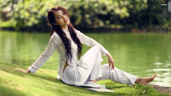 a beautiful Vietnamese girl