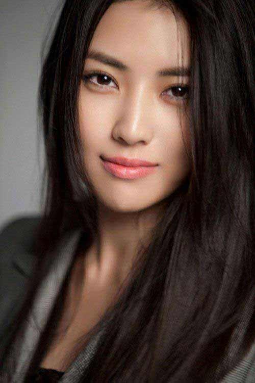 a stunning Asian woman