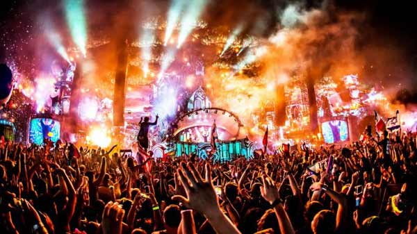 tomorrowland party