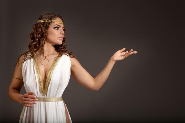 A Thrilling Affair that Began on a Greek Women Dating Site