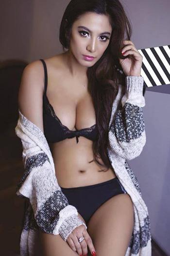 a sexy beautiful Indonesian girl