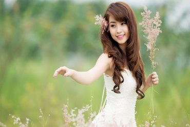 a young beautiful Japanese woman