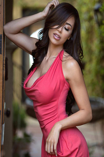 a hot curvy brunette