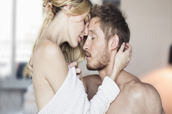 How to Make an Attractive Woman Get Sexually Addicted to You