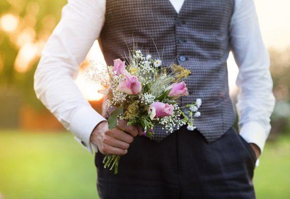 guy flowers romantic