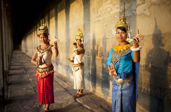 Cambodian stunner loves